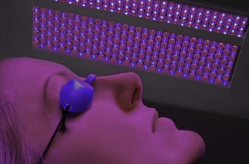 Ανάπλαση και Αναζωογόνηση Προσώπου  μετά το Καλοκαίρι με το Νέο Πολυβραβευμένο μηχάνημα Dermalux®