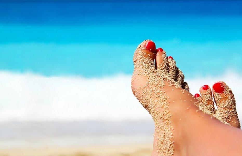 Καλοκαίρι και θάλασσα: Προσοχή στις μυκητιάσεις – Όλα όσα πρέπει να γνωρίζετε
